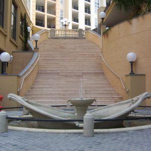 Spanish_Steps_Fountain_16
