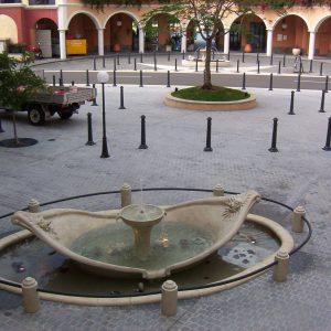 Spanish_Steps_Fountain_17